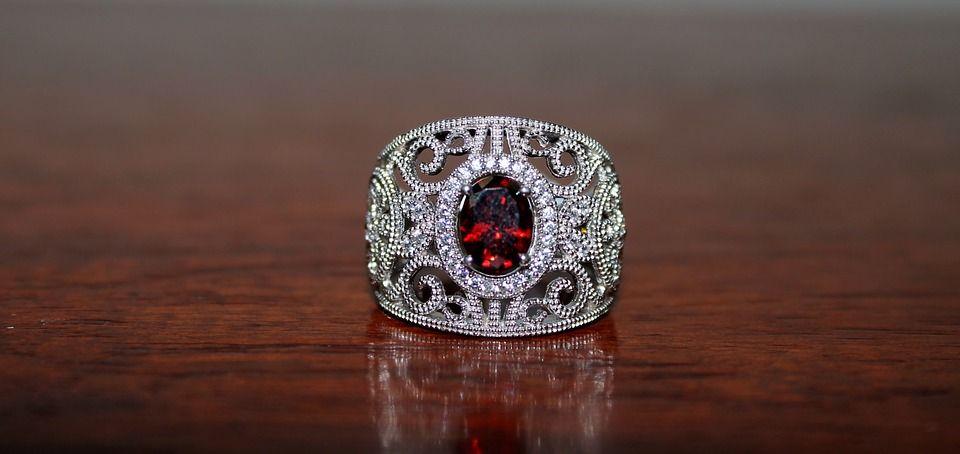 ring-1374123_960_720