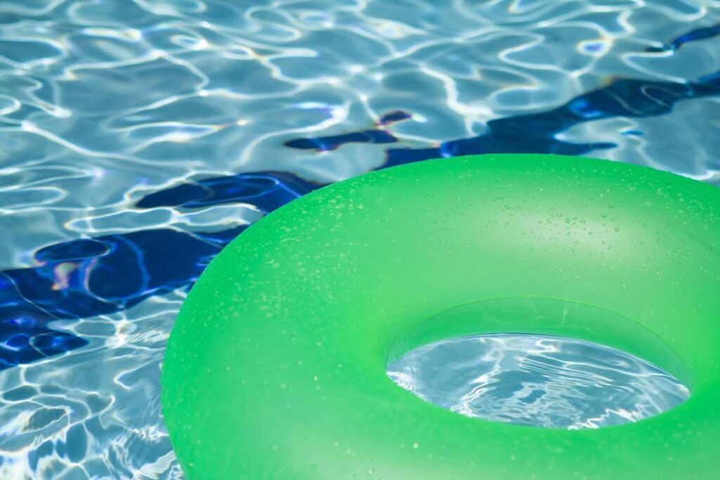 What You Need to Know if You Have a Swimming Pool - Ross Insurance ...